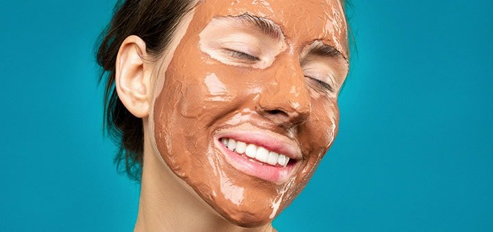 woman-with-clay-mask-on-face-3762644-min